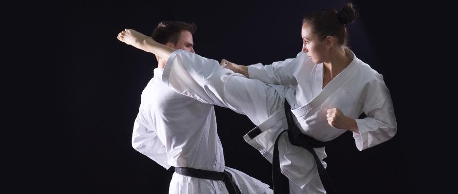 Arti marziali: perché possono danneggiare l'anca